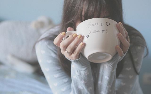 közeledését - Soha ne fogadd el a rossz kávét, a hamis barátságot, és egy nem megfelelő férfi közeledését!
