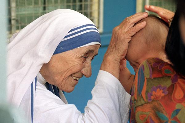 nnepekre - Teréz Anya üzenete számodra - mindenki menjen haza, és szeresse a családját!