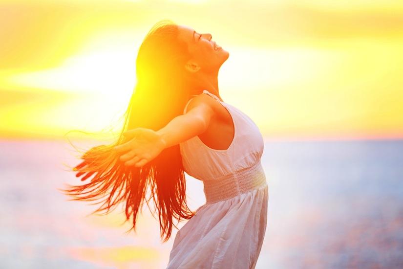 engedd3 - Mai nap üzenete: Elengedés - Tárd szét karjaid, és engedd el azokat a kihívásokat, amelyeket kezeddel oly erősen magadhoz szorítottál. Nyisd ki kezedet, tárd ki karodat és szívedet!