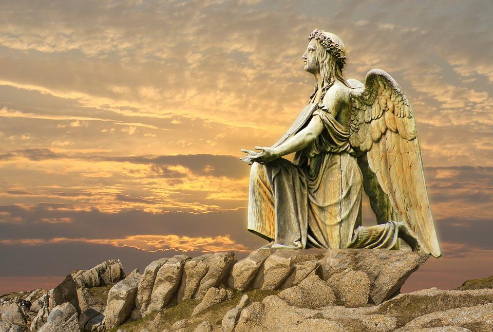 VÉDELMEZNEK - Angyali üzeneted péntekre: Az adósság régi terhét angyalaid levették a válladról és az életedről!